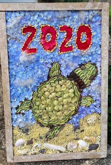picture of a turtle done as a well dressing